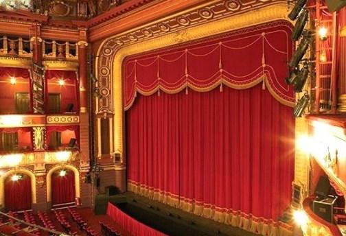 telones y cortinas para teatros con diseño clásico