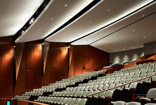 arquitectura acústica en salas de cines
