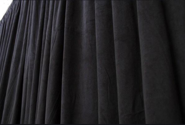 telón de teatro en algodón ignífugo negro de 500 grs