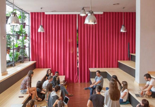 cortinas acústicas para zonas de trabajo y reuniones