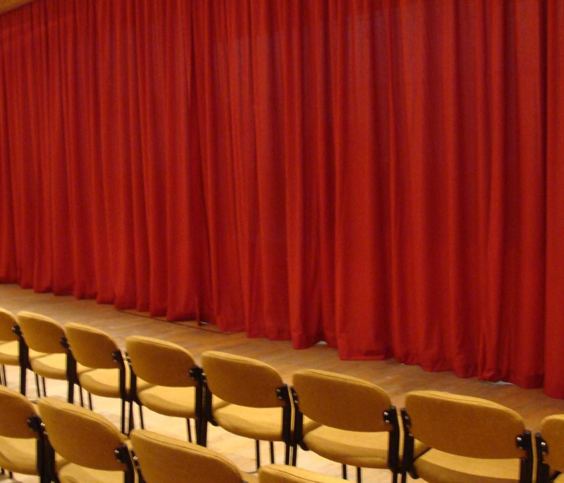 telón para teatro en terciopelo